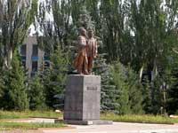 Памятник Касыму Тыныстанову